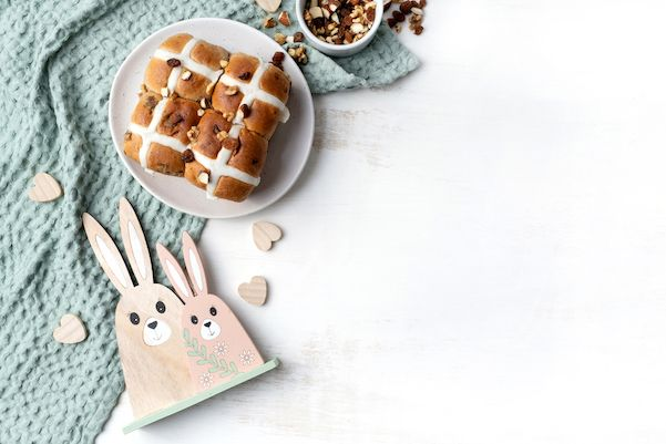 Best hot cross buns recipes your kids would love at schoolholidays.com.au