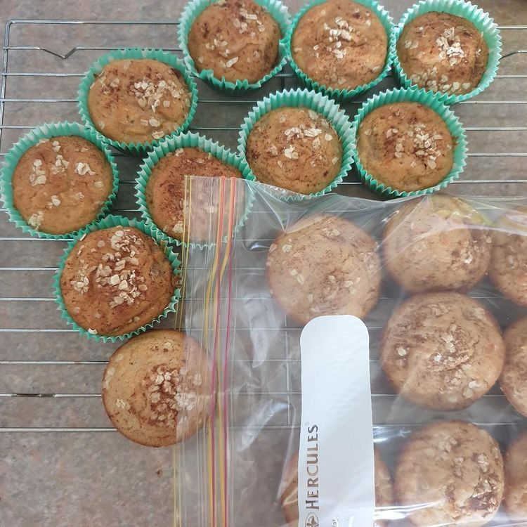 Whole apple food processor cake, apple cake, pink lady apples, easy lunchbox ideas for school, cold lunchbox ideas, lunchbox ideas picky eaters, lunchbox ideas for fussy eaters